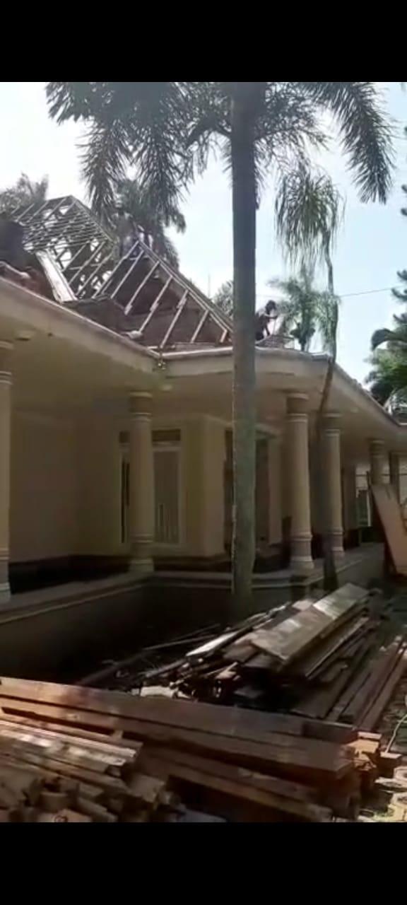 Bongkaran rumah surabaya